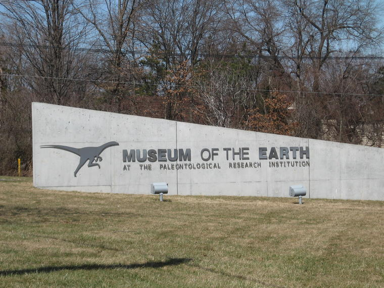 Museum of the Earth sign photo
