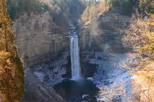 """Taughannock with Ice"""