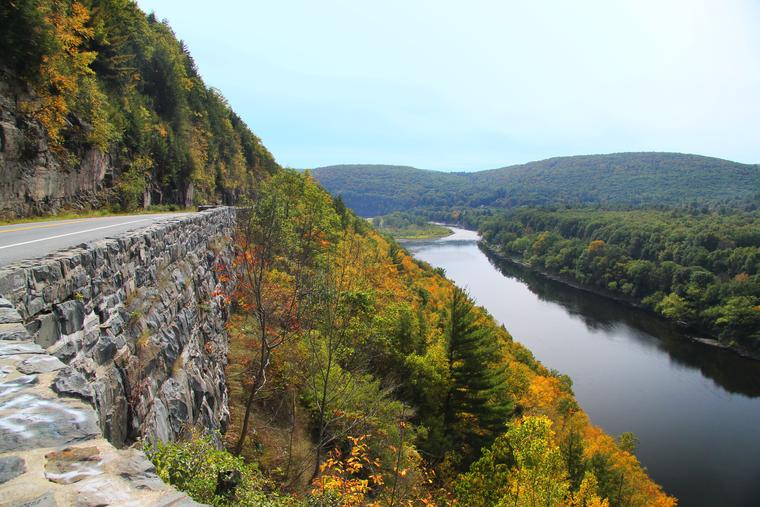 Hawk's Nest - Downriver view photo